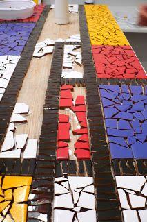 Piet Mondrian Foi Um Pintor Holand S Modernista Essa Fase Wood Mosaic, Mosaic Wall Art, Mosaic Diy, Mosaic Crafts, Mosaic Projects, Stone Mosaic, Tile Art, Mosaic Tiles, Mosaics