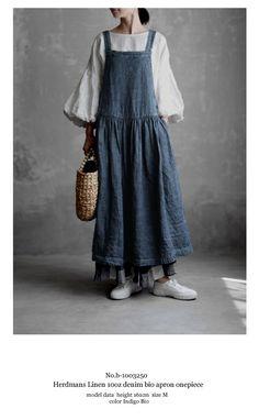 Petite Fashion Tips .Petite Fashion Tips Hijab Style Dress, Casual Hijab Outfit, Mori Fashion, Fashion Dresses, Moda Natural, Vintage Outfits, Vintage Fashion, Hijab Fashion Inspiration, Petite Fashion Tips