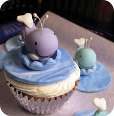 i am totally against the production, consumption, and commercial sale of whale products. except when they're on top of cupcakes. because duh, they're delicious. Whale Cupcakes, Yummy Cupcakes, Cupcake Cakes, Cup Cakes, Ocean Cupcakes, Kid Cupcakes, Animal Cupcakes, Themed Cupcakes, Cupcake Toppers