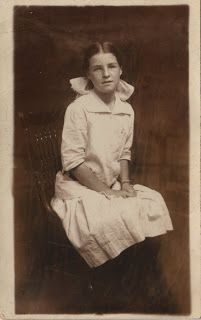 Photos of Victorian Girls - The Graphics Fairy