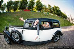 wedding photography Antique Cars, Wedding Photography, Photoshoot, Vintage Cars, Photo Shoot, Wedding Photos, Wedding Pictures, Photography