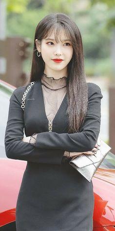 Iu Short Hair, Short Hair Styles, Beautiful Girl Image, Beautiful Asian Girls, Nancy Drew Costume, Luna Fashion, Velvet Fashion, Girl Photography Poses, Material Girls