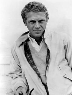 How to Layer Clothing With Style by Real Men Real Style.Steve McQueen my idol! Mens Fashion Sweaters, Mens Fashion Suits, Sport Fashion, Male Fashion, Fashion Wear, Pinup Art, Sport Style, Steeve Mcqueen, Steve Mcqueen Style