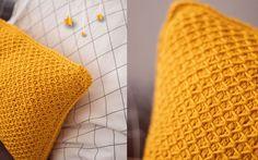 Tunisian crocheted pillow - free pattern- Hippes Kissen tunesisch gehäkelt – gratis Anleitung Pillow Tunisian crochet free instructions from Wollplatz. Tunisian Crochet Free, Crochet Gratis, Free Crochet, Crochet Pillow, Baby Blanket Crochet, Crochet Baby, Baby Boy Blankets, Knitted Baby Blankets, Tunisian Baby Blanket