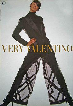 Linda Evangelista in a Valentino Ad 1992 Very Valentino, Valentino Couture, Valentino Garavani, 90s Fashion, Fashion Brands, Vintage Fashion, Womens Fashion, Elite Fashion, Fashion 2017