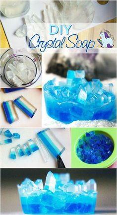 DIY Crystal Soap that Looks Like Gemstones - Home Made Soap Homemade Soap Recipes, Homemade Gifts, Diy Gifts, Homemade Paint, Diy Savon, Savon Soap, Homemade Beauty, Diy Beauty, Beauty Soap