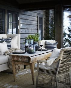 These cosy winter outdoor spaces will bring you lots of inspiration for the upcoming winter. Enjoy your outdoor space no matter what season it is! Outdoor Rooms, Outdoor Dining, Outdoor Furniture Sets, Outdoor Decor, Outdoor Seating, Cosy Winter, Winter Cabin, Winter Porch, Terrace Roof