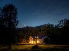 Sheffield House in Berkshires - Moonlit Night in the Summer