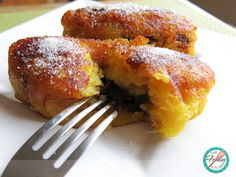 """Would you like to try an authentic Guatemalan dessert? You'll love these plantain """"rellenitos""""! Guatemalan Desserts, Guatemalan Recipes, Guatemalan Food, Healthy Recipes, Gourmet Recipes, Mexican Food Recipes, Cooking Recipes, Latin American Food, Latin Food"""