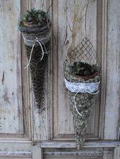 Chicken wire cone Chicken wire cone - The most beautiful garden decor Chicken Wire Art, Chicken Wire Crafts, Garden Crafts, Garden Projects, Art Projects, Jardin Decor, Deco Nature, Decoration Plante, Most Beautiful Gardens