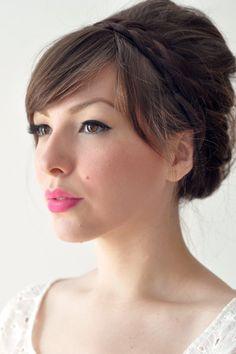Neon pink lipstick paired with subtle #cateye. #wedding