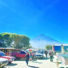 Part of our market here in Antigua Guatemala! Parte de nuestro mercado aquí en Antigua! #market #sunnyday #antiguaguatemala #volcano #view #greatview #realestate #realtors #realtorlife #bienesraices #inmobiliaria #centralamerica #localrealtors - posted by Vale Real Estate Consulting https://www.instagram.com/vale_real_estate_consulting - See more Real Estate photos from Local Realtors at https://LocalRealtors.com