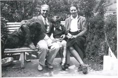 The italian painter Felice Casorati with his son Francesco and his wife Daphne Maughan