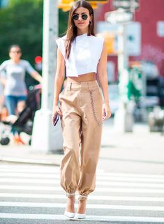 Summer Fashion Trends You Must Try In 2019 - Page 2 of 4 - Stylish Bunny Fashion Mode, Look Fashion, Girl Fashion, Fashion Outfits, Fast Fashion, Cheap Fashion, Summer Fashion Trends, Fashion Stores, Fashion 2018