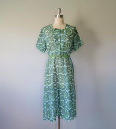 floral dress plus size / vintage day dress by Day Dresses, Plus Size Dresses, Blue In Green, Short Sleeves, Short Sleeve Dresses, Shades Of Turquoise, Plus Size Vintage, Little Bow, Zip Ups