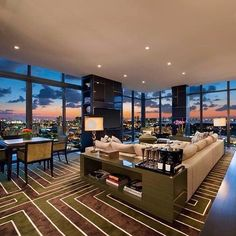 View Miami Beach Luxury Condos For Sale FL properties for sale. Miami Beach Luxury Condos For Sale real estate including all MLS inventory listings available. Luxury Penthouse, Luxury Condo, Luxury Apartments, Luxury Homes, Penthouse Apartment, Dream Apartment, Houses Architecture, Interior Architecture, Appartement Design