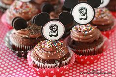 Mickey Mouse toppers- free printable! Can easily make this into Minnie Mouse with a tiny little bow.