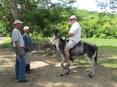 Riding a donkey to do the so called medium tour to El Cañón de Somoto, Madriz, Nicaragua... More details about Roberto at:http://www.solucionesturisticassostenibles.com/roberto_en.html