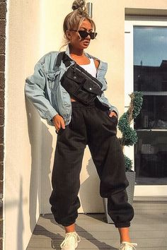Black Oversized Joggers - Erica - Black Oversized Adjustable Tie Waist Joggers – Erica Source by josiegrider - Chill Outfits, Cute Comfy Outfits, Sporty Outfits, Stylish Outfits, Black Joggers Outfit, Jogger Outfit, Sweatpants Outfit, Fashion Joggers, Streetwear Fashion