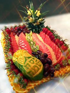 Edible Creations, Strawberry, Carving, Vegetables, Fruit, Food, Wood Carvings, Essen, Strawberry Fruit