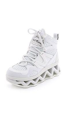 Marc  by  Marc  Jacobs  womens  ninja  wave  hi  top  fashion  sneaker  white