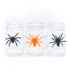 Spider Web Mason Jar – Easy Halloween Crafts with Mason Jars. My mantra this fall is K.I.S.S. Keep. It. Simple. Stupid. Not that I'm calling you stupid! It's more of a reminder to me to (a) stop rushing to the craft store every time I think of a project I might want to make; (b) …