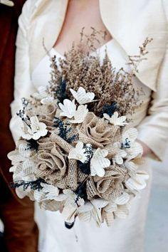 Ramos de novia de flores artificiales: Fotos de diseños - Elegante y sorprendente ramo de novia de flores de tela y papel