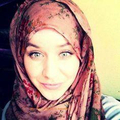 Cute Hijabi ♥•✿•♥•✿ڿڰۣ•♥•✿•♥ ♥