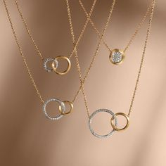 Shop women's necklaces at the Official Marco Bicego website/Online Boutique. Shop by collection, price, or size. Love these simple and so pretty Gold Chain Design, Gold Ring Designs, Gold Bangles Design, Gold Earrings Designs, Jewellery Designs, Necklace Designs, Gold Jewellery, Gold Necklace Simple, Gold Jewelry Simple