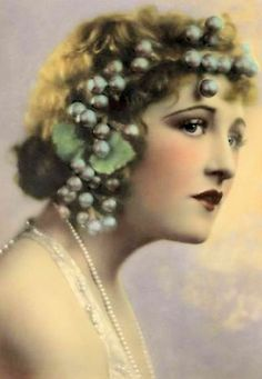 Portrait: Ruth Clifford (1920)