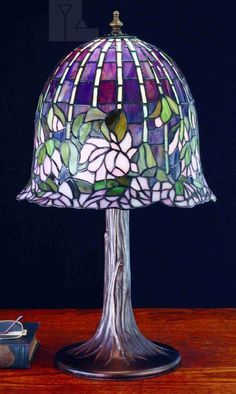 Meyda Tiffany 65657 Flowering Lotus & Wisteria Tiffany Table Lamp MD-65657