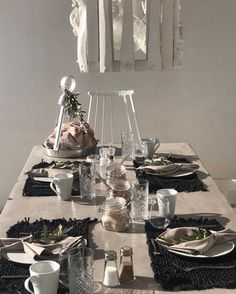 Table Settings, In This Moment, Holiday, Vacations, Place Settings, Holidays, Vacation, Tablescapes, Annual Leave