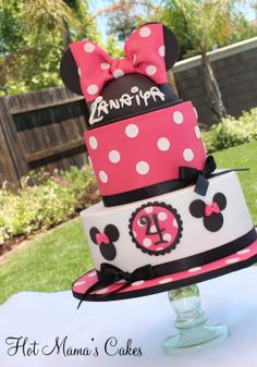 Hot Pink Minnie Cake for Zanaiya! - Cake by Hot Mama's Cakes Mini Mouse Cake, Minnie Mouse Birthday Cakes, Minnie Mouse Theme, Mickey Mouse Cake, Pink Minnie, Bolo Mickey, Mickey Cakes, Beautiful Cake Pictures, Disney Themed Cakes