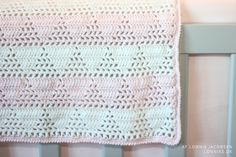 Hækleopskrift: Isbjerg baby tæppe hæklet Danish pattern. Cute baby blanket. Link to japanese diagram.
