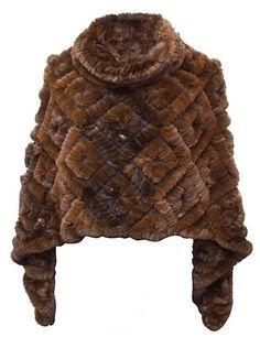 huge22 Crochet Pouf, Plain White T Shirt, Mink Jacket, Fur Purse, Fur Accessories, Fur Throw, Bag Patterns To Sew, Faux Fur Vests, Fur Fashion