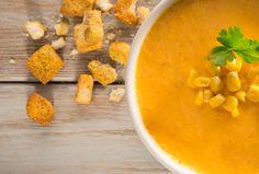 Prepara una deliciosa crema de zanahoria con maíz al chipotle y un toque de Philadelphia para sorprender a tu familia a la hora de comer.