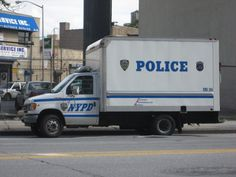 Old Police Cars, Police Truck, Police Vehicles, Emergency Vehicles, New York Police, Law Enforcement, Ems, Ford, The Unit