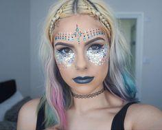 Ever wondered how to get your festival make-up on fleek? Obvs our bloggin' baes…