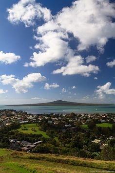Rangitoto Island in the Waitemata Harbour, Auckland City New Zealand. I'm happy to admit to being a JAFA :) New Zealand Adventure, New Zealand Travel, Chatham Islands, New Zealand Houses, Auckland New Zealand, Dream Trips, Kiwiana, The Beautiful Country, South Island