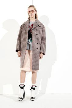 http://www.vogue.com/fashion-shows/pre-fall-2017/no-21/slideshow/collection