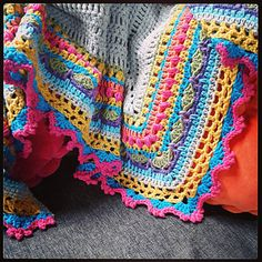 Bright_shawl_couch_small2