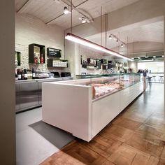 Sant Cugat (Barcelona) on Behance Pizza Restaurant, Restaurant Design, Carnicerias Ideas, Local Butcher Shop, Meat Box, Deli Cafe, Seafood Market, Shop Interiors, Street Food