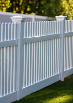 3 Eloquent Tips AND Tricks: Fence Landscaping Architecture bamboo fence texture.Gabion Fence Corten Steel easy fence how to build.Fence And Gates Aluminum. Modern Front Yard, Front Yard Fence, Diy Fence, Fence Landscaping, Modern Fence, Backyard Fences, Garden Fencing, Fenced In Yard, Fence Ideas