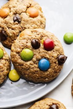 These thick and chewy monster cookies are the ultimate cookie recipe! Made with healthier ingredients, GF + DF friendly, and are SO GOOD. Healthy Cookie Recipes, Healthy Cookies, Baking Recipes, Flour Recipes, Free Recipes, Gluten Free Peanut Butter, Gluten Free Baking, Ultimate Cookie Recipe, Chocolate Chip Cookies
