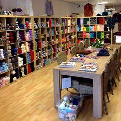 Wolwinkel de knitwitch Zoetermeer Dijkmanschans 190 2728GK Zoetermeer