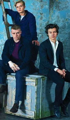 Harry, Jack Lowden and Tom Glynn-Carney on a photoshoot for Dunkirk.