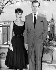 """James Hanson, noivo de Audrey na época, havia viajado para Nova York para a premiere de """"Gigi"""", e a propôs em casamento. Seu pedido foi aceito, mas vários meses depois, o casal rompeu o noivado."""