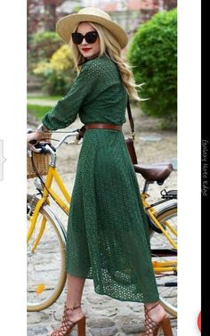 Lovely dress ...beautiful color!!
