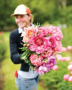 This Peony Farm Is a Dream for Cottage Garden Enthusiasts - The Cottage Journal Garden art This Peony Farm Is a Dream for Cottage Garden Enthusiasts - Cottage Journal Peonies And Hydrangeas, Peonies Garden, Peonies Bouquet, White Peonies, Peony, Hydrangea Bouquet, Flower Bouquets, Cottage Garden Design, Cottage Garden Plants