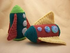 Retro Rocket Crochet Amigurumi Spaceship Pattern. $2.50, via Etsy..